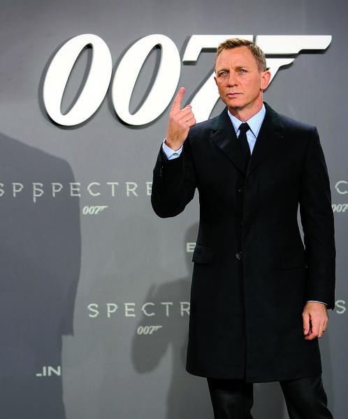 Когда Дэниела Крейга выбрали новым агентом 007, было очень много споров