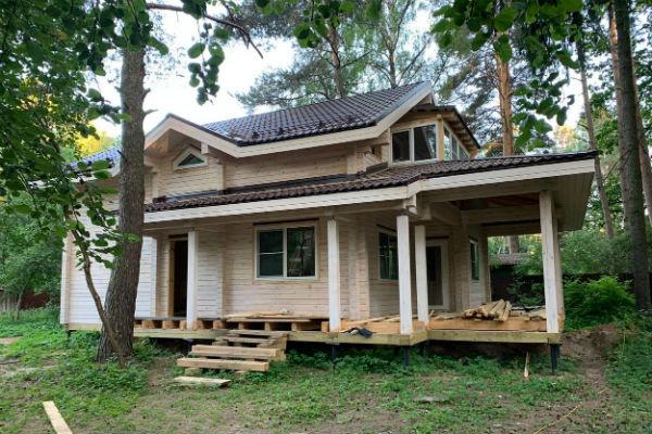 Инна планирует круглогодично жить в загородном коттедже вместе с мужем и дочерью