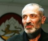 «Моих детей перевернули в гробах». Лишившись семьи, Виталий Калоев убил авиадиспетчера, но смог начать новую жизнь