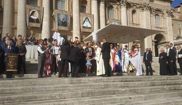 Папа Римский принял артистов