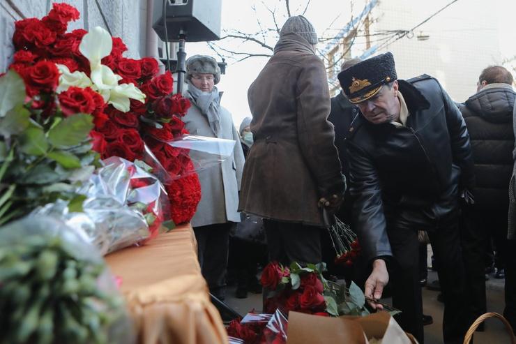 Похудевшая вдова Юрия Лужкова открыла мемориальную доску в его честь