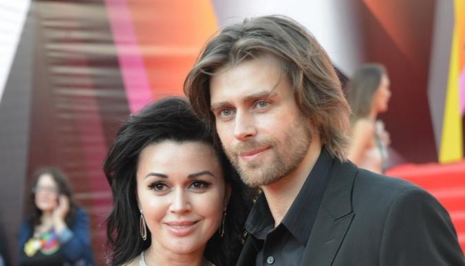 Архивные фото тайного венчания Анастасии Заворотнюк и Петра Чернышева