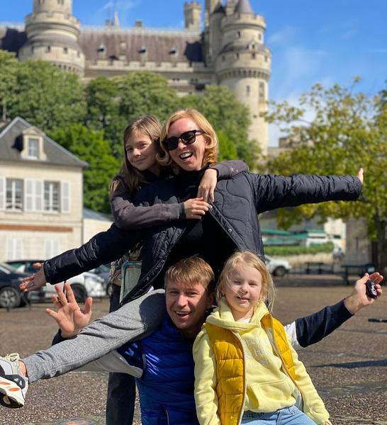 Фигуристы могут похвастаться счастливой семьей
