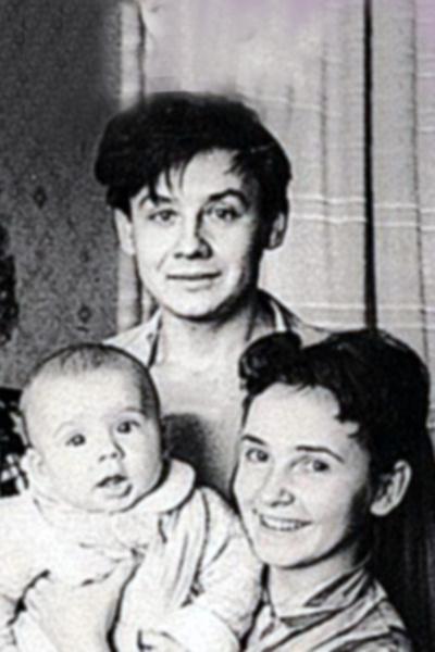 Пять женщин Антона Табакова. Недолговременные браки и слухи об измене супруги с Михаилом Ефремовым