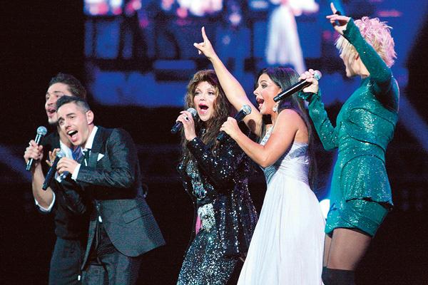 Победители прошлых лет – Дима Билан, Тимур Родригез, Ани Лорак, Валерия с Ла Тойей Джексон