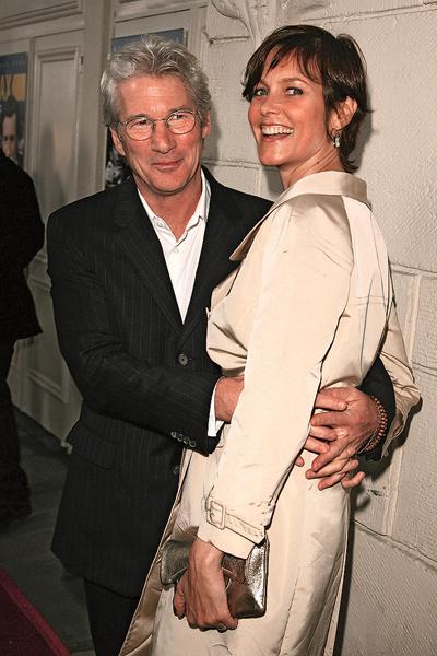 Ричард познакомился с Алехандрой, будучи еще в официальном браке с Кэри Лоуэлл