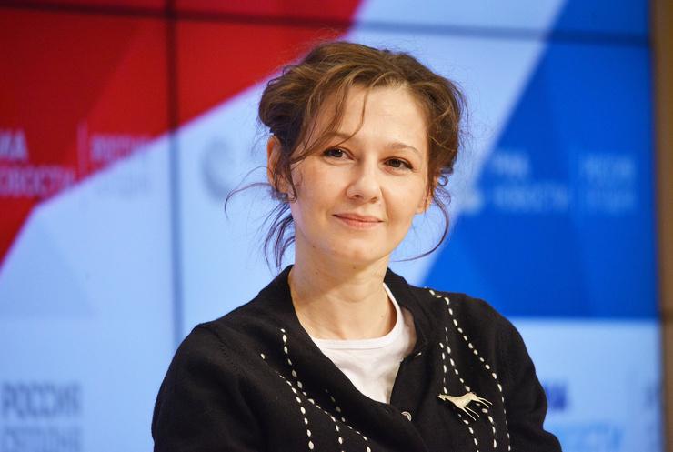 Эйфория Полины Агуреевой: главные роли, расставание с Вырыпаевым и свадьба с молодым коллегой
