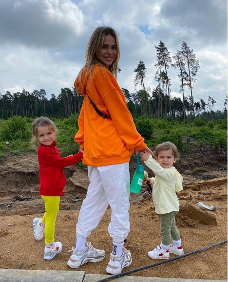 Анна Хилькевич сменит имя младшей дочери