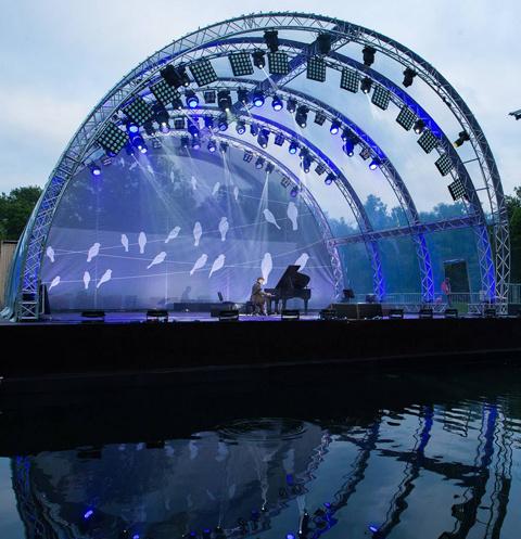 Стиль жизни: Сцена на воде на ВДНХ откроется Фестивалем духовых оркестров – фото №1