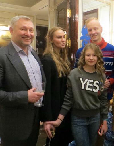 Эдуард, Наталья, Мария и Борис Юшины