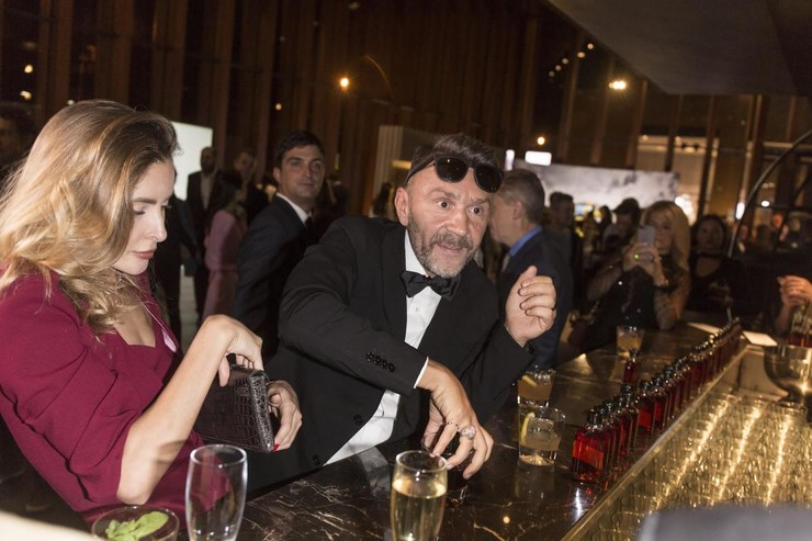 Сергей признается, что все вечеринки с большим количеством алкоголя остались в прошлом, но это никак не связано с его новой женой Ольгой