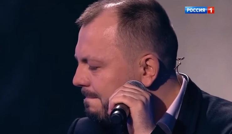 Артист посвятил жене трогательную песню