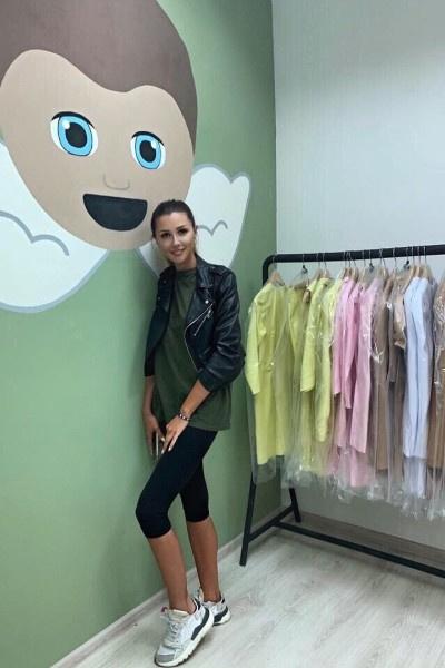 Анастасия Заворотнюк не пришла на открытие шоурума старшей дочери из-за болезни