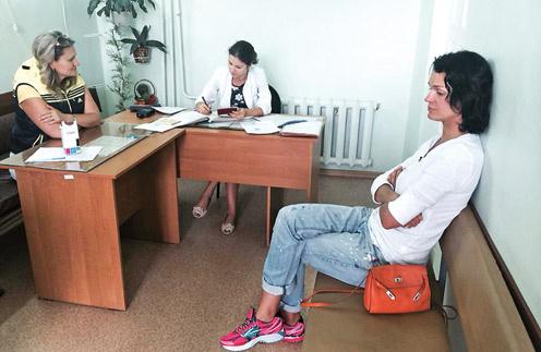 Из аэропорта Слава отправилась не в Австрию к детям, а прямиком в наркологический диспансер