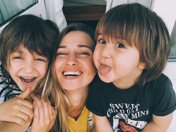 Алена и Сарик Андреасян сохранили теплые отношения ради сыновей
