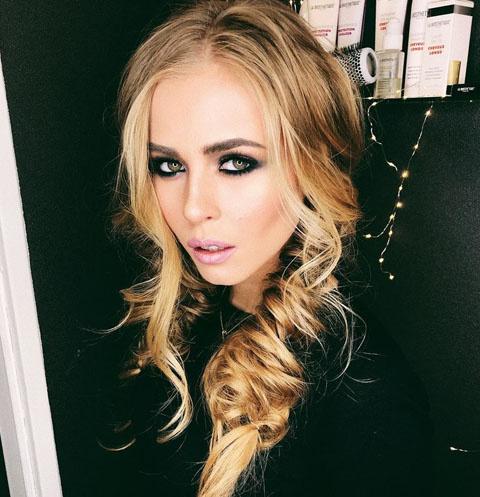 Участница «Холостяка» Анастасия Смирнова: «Мама просила вести себя прилично»