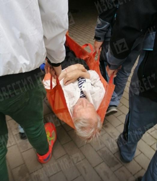 Иван Иванович сегодня попал в больницу.
