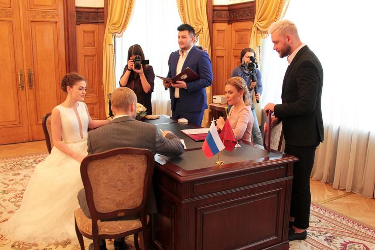 Стиль жизни: Красавцы Love Radio провели свадьбы в Грибоедовском ЗАГСе – фото №2
