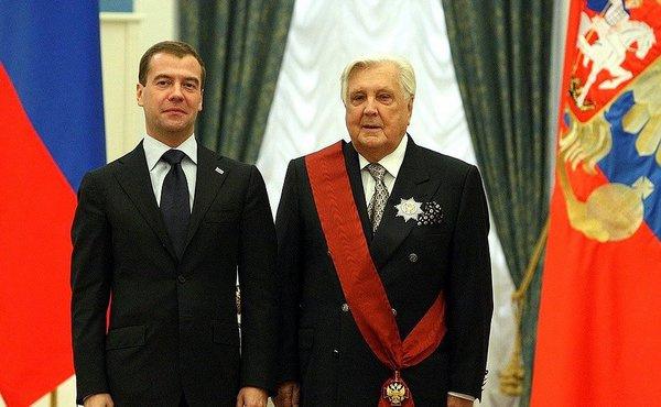 Дмитрий Медведев и Илья Глазунов на церемонии вручения государственных наград