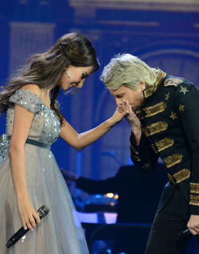 Николай Басков также появился на концерте Зары