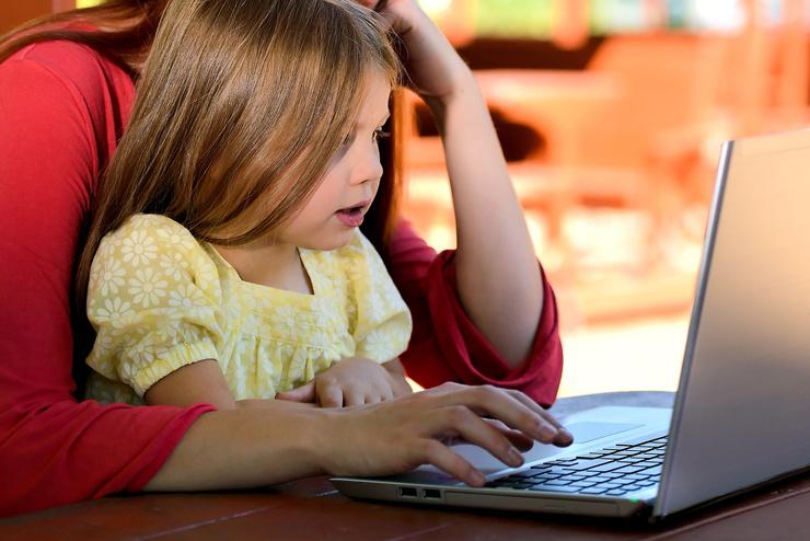 Для начала родителю нужно изучить различные студии, чтобы не выбросить деньги на ветер и не испортить психику ребенка