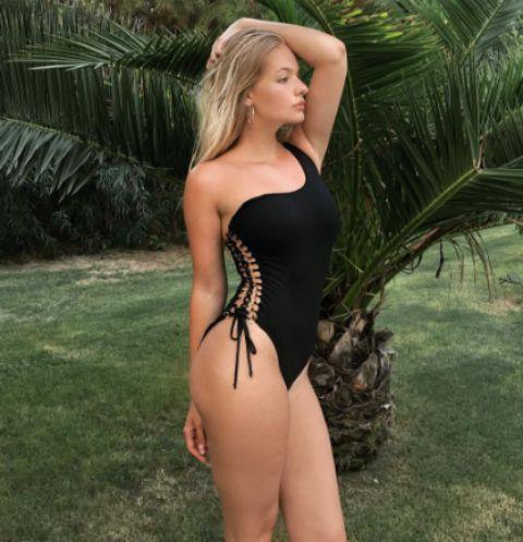 Лиза Пескова показала фигуру в бикини