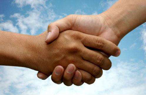 Общество: Помощь друга – фото №1