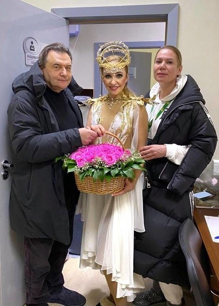 Алексей Учитель и Татьяна Навка вместе с наследницей спортсменов