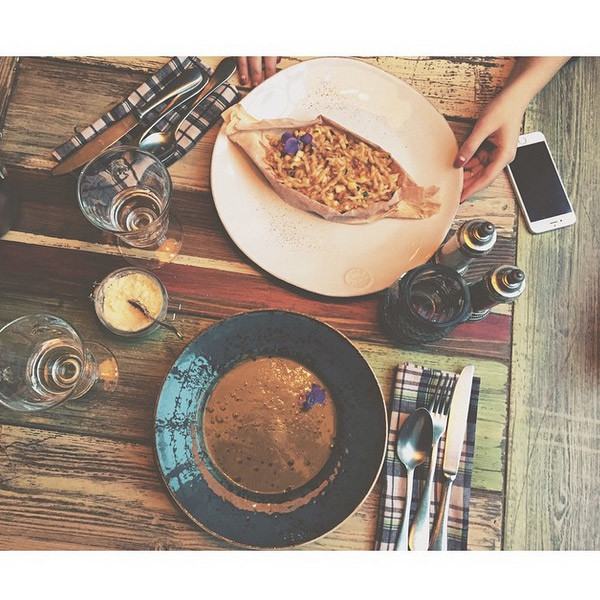 Воскресный обед Алены с подругой