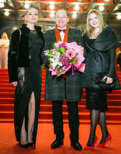 Максим Дунаевский с семьей