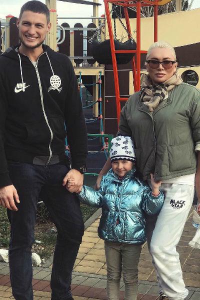 Александр Задойнов с семьей