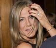Дженнифер Энистон опровергла слухи о разрыве с Джастином Теру