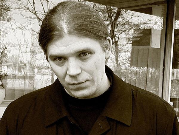 Сергей Ткачев родился 2 апреля 1965 года