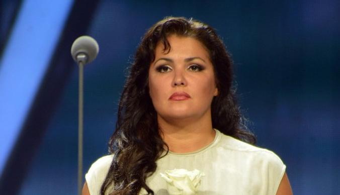 Анна Нетребко отменила концерты из-за болезни