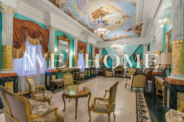 Комнаты напоминают залы дворца
