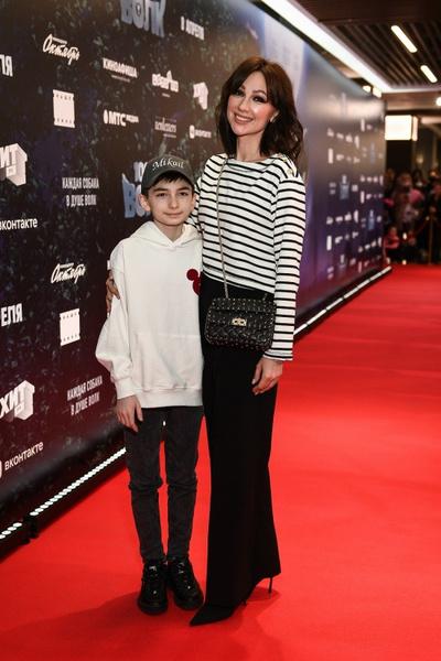 Певица Согдианы с сыном