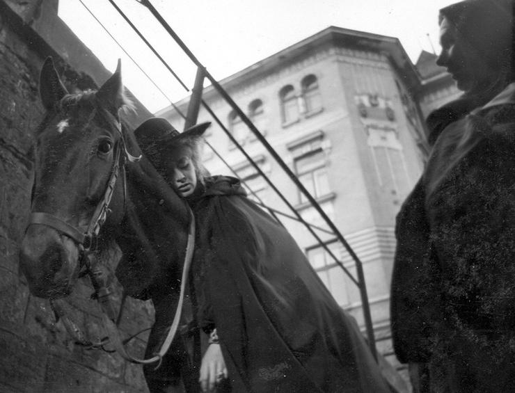 Маргарита Терехова на съемке сцены в Бетюнском монастыре