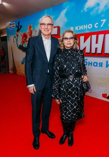 Генеральный директор киностудии им. Горького Сергей Зернов с женой