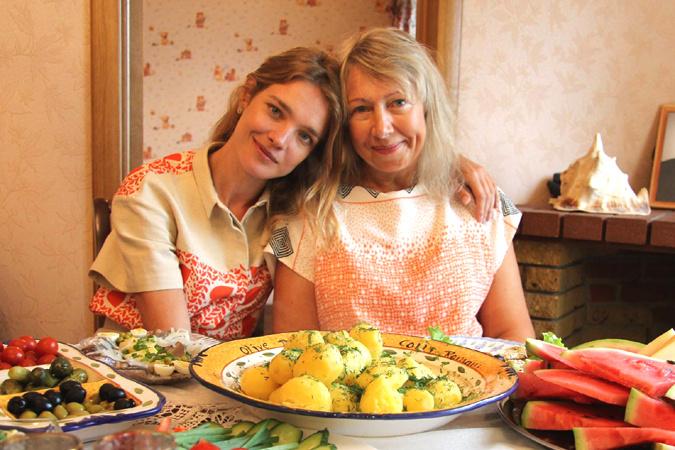 Наташа очень благодарна маме за ее поддержку и любовь