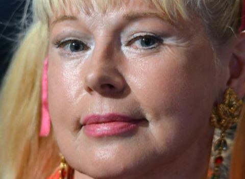 Елена Кондулайнен снова уводит чужих мужчин