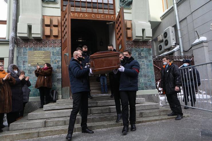 Похоронят артиста на Троекуровском кладбище