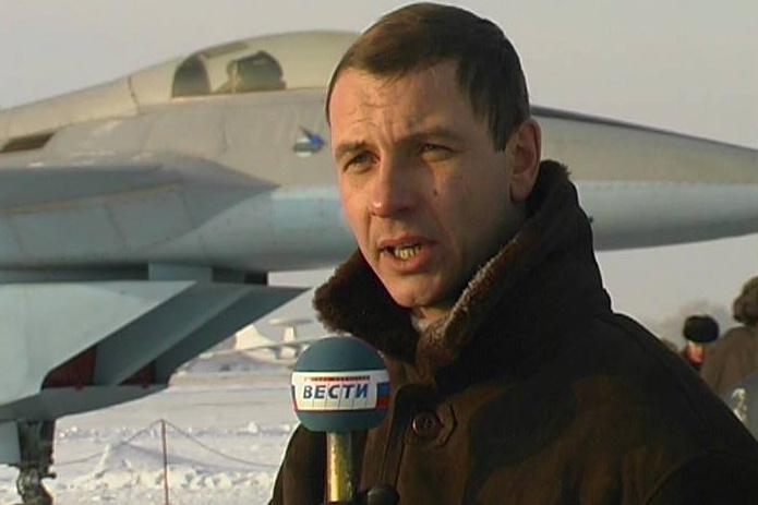 В 90-е Самолетов уже работал спецкором «Вестей»