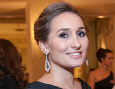 Беременная Анастасия Винокур продемонстрировала изменения фигуры