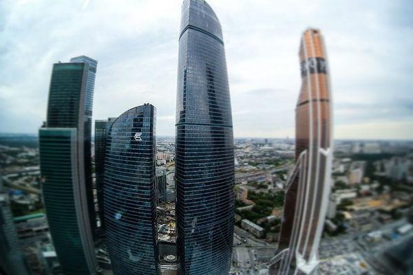 В 2004-м году Сергей Полонский взялся за реализацию проекта «Башня Федерации»