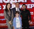 Звезды поздравили Михаила Галустяна с премьерой