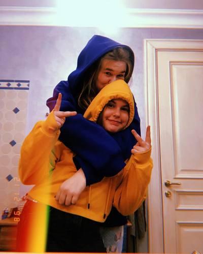 Дочери Шаца и Лазаревой — Соня и Тоня
