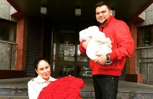Илана Юрьева с мужем Дмитрием Дылдиным и дочкой Дианой