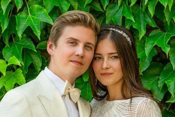 Артемий с женой Натальей
