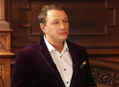Марата Башарова хотят уволить из «Битвы экстрасенсов» после избиения жены