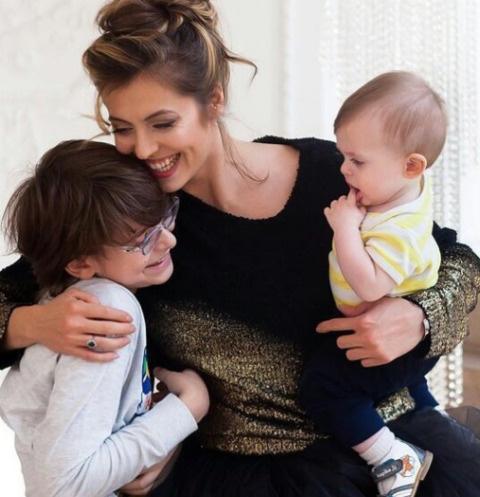 Анастасия Меськова с сыновьями